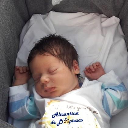 Salud Bebé recién nacido padres madres nacimiento consejos paternidad maternidad bebés