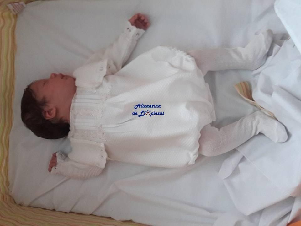 Bebé recién nacido Cuidados Salud Paternidad Maternidad Padres Madres Bebés Hogar